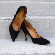 1950s High Heels / 50s Shoes Pumps / BLACK / by LookAgainVintage, $38.00
