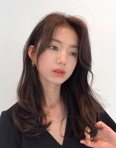 Bangs With Medium Hair, Medium Hair Styles, Curly Hair Styles, Cut My Hair, Hair Cuts, Pelo Guay, Korean Long Hair, Hair Korean Style, Korean Hair Color Brown