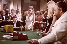 Casino Royale - Ursula Andress - Peter Sellers - Orson Welles