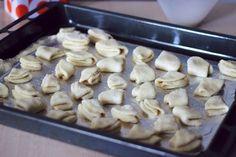 250 g túró, néhány hozzávaló és már készülhet is ez az egyszerű és káprázatos sütemény! - Bidista.com - A TippLista! Cereal, Stuffed Mushrooms, Vegetables, Breakfast, Cake, Recipes, Food, Stuff Mushrooms, Morning Coffee