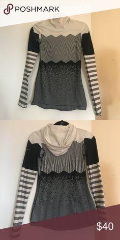 Nike hoodie Nike dri-fit hoodie, light worn, size xs Nike Tops Tees - Long Sleeve