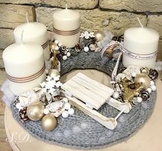 Stunning Christmas Sweater Wreath Advent Candles Decoration Ideas - Page 12 of 55 - Chic Hostess Advent Candles, Christmas Candles, Christmas Centerpieces, Rustic Christmas, Winter Christmas, Christmas Wreaths, Christmas Crafts, Christmas Decorations, Christmas Ornaments