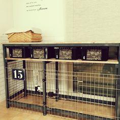 【ペットと暮らす】ケージのDIY術やトイレの隠し方実例   RoomClip mag   暮らしとインテリアのwebマガジン