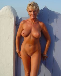 Tas Mature pussy naked