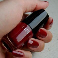 Adorned Nails: ARTDECO Wonder Brush Red Violet • Witoxicity
