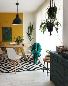 home decor yellow accents living rooms home decor yellow accents ` home decor yellow accents living rooms ` home decor with yellow accents Rooms Home Decor, Home Living Room, Interior Design Living Room, Living Room Decor, Yellow Walls Living Room, Yellow Accent Walls, Yellow Dining Room, Yellow Accents, Yellow Home Decor