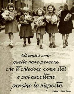 In dialetto siciliano si dice: Amici e guardati~~~Here we are again girls:-) Italian Phrases, Italian Quotes, Friends Forever, Best Friends, Jolie Phrase, Foto Poster, Italian Language, Beautiful Words, Decir No