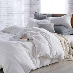 White Comforter Bedroom, Grey And White Bedding, Comfy Bedroom, Comforter Sets, White Bed Comforters, King Comforter, White Bedroom, Fluffy White Bedding, White Bedding Decor