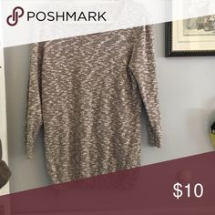 Light weight sweater Worn a few times! Super cute! True to size! No flaws Sweaters