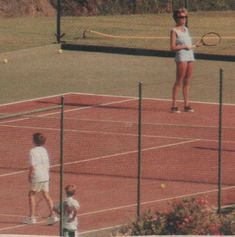HOLIDAY à MARBELLA - Diana et ses enfants _ Suite