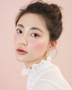Asian Makeup Tutorials, Makeup Tips, Hair Makeup, Eye Makeup, Beauty Make-up, Beauty Shoot, Asian Makeup Before And After, Makeup Vault, Asian Makeup Looks