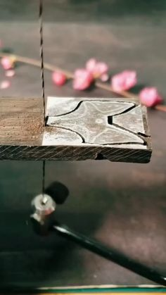 Beginner Woodworking Projects, Woodworking Crafts, Woodworking Plans, Carpentry Projects, Woodworking Techniques, Woodworking Magazine, Dremel Wood Carving, Wood Carving Art, Wood Carving Designs
