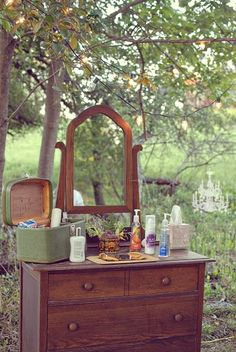 Natural lighting is best for makeup application Really love this idea for a garden wedding Outdoor Wedding Reception, Tent Wedding, Wedding 2017, Rustic Wedding, Our Wedding, Garden Wedding, Wedding Bathroom, Boat Decor, Outdoor Bathrooms