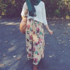 New look 💌💖💡 Islamic Fashion, Muslim Fashion, Modest Fashion, Girl Fashion, Fashion Outfits, Fashion Ideas, Fashion Design, Modest Wear, Modest Dresses