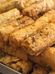 diples Cake Cookies, Chicken Wings, Sweets, Meat, Recipes, Food, Beef, Meal, Goodies