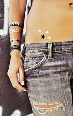 Nikki pack of Flash Tattoos. Pack of over 28 bohemian style temporary tattoos. Lasts hours depending on usage. Gorgeous shimmery, black, and tan jewelry style tattoos! Price per Pack. Will NOT sell individually or break up sets. Other styles coming soon! Tattoo Flash, Flash Tats, Silver For Jewelry Making, Silver Jewelry, Small Star Tattoos, Silver Tattoo, Metal Tattoo, Snake Tattoo, Hawaiian Tattoo