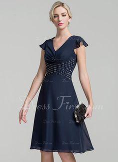 8d5c9f9f8bb1b5 A-Line Princess V-neck Knee-Length Chiffon Mother of the Bride
