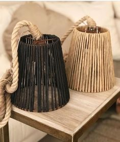Lamps woven in paper thread. They are from Belgium home – Diy Design Diy Home Crafts, Diy Home Decor, Diy Chandelier, Lampshades, Burlap Lampshade, Diy Furniture, Creations, Lighting, Inspiration