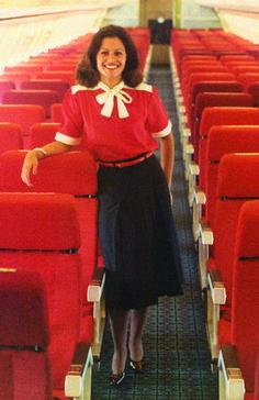 Uniformes TAP, ao estilo dos anos 80.// TAP uniformes 80's style.