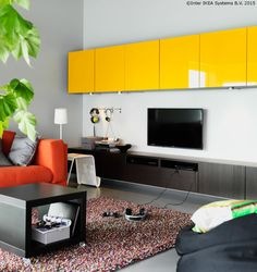 Cine a zis că mobila trebuie să fie doar în culori serioase? www.IKEA.ro/BESTA_galben