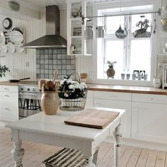 Shabby chic kitchen styles and decor ideas (image by Hannes Dagbok)