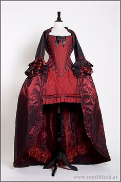 sometimes I wish I was born in the period when I could have worn things like this ♥
