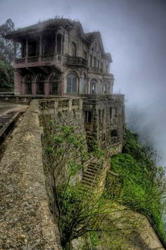 El Hotel del Salto , Colombia