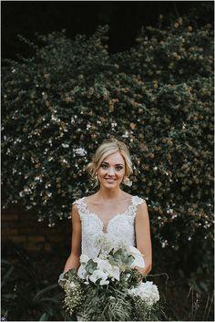Marno & Jaunmari se industriële troue Girls Dresses, Flower Girl Dresses, Industrial Wedding, Wedding Dresses, Flowers, Fashion, Dresses Of Girls, Bride Dresses, Moda