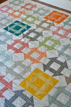 ~ Quilt Story: Pezzy Churn Dash Quilt from Random Thoughts...