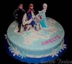"""Torta decorada con fondant """"Frozen"""""""