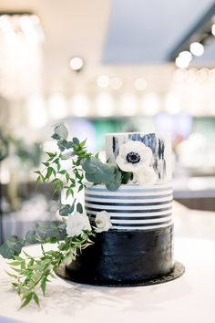 Wedding Cake Inspiration Wedding Cake Inspiration, Wedding Cakes, Table Decorations, Black And White, Home Decor, Wedding Gown Cakes, Black White, Homemade Home Decor, Blanco Y Negro