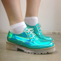 Holographic turquoise creepers