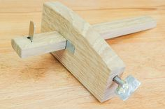 A great DIY project on how to make a deckchair. There's only one thing more relaxing than sitting in a deckchair and that's sitting in one you've made. Japanese Woodworking Tools, Woodworking Apron, Woodworking Projects, Flowchart Shapes, Car Gauges, Marking Gauge, Coping Saw, Router Cutters, Bottle Cap Crafts