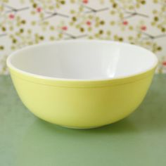 Vintage Pyrex Mixing Bowl - My mom used one exactly like this when she made her potato salad :)