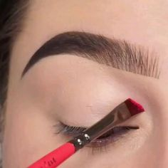 Makeup Looks Discover Beautiful Eye Makeup Tips Eye Makeup Steps, Eye Makeup Art, Smokey Eye Makeup, Eyeshadow Makeup, Makeup Tips, Korean Eyeshadow, Gloss Eyeshadow, Metallic Eyeshadow, Pink Makeup