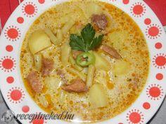 Palócleves sertéshúsból Empanadas, Cheeseburger Chowder, Hummus, Curry, Soup, Ethnic Recipes, Curries, Empanada, Soups