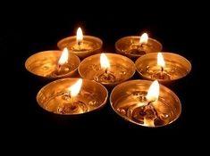 Chemik vyšiel s pravdou von: Môžu byť horiace sviečky jedovaté? Tea Time, Tea Lights, Candles, Tea Light Candles, Candy, Candle Sticks, Candle
