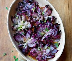 Find the recipe for Roasted Red Onion Flowers and other onion recipes at… Onion Flower, Vegan Recipes, Cooking Recipes, Fast Recipes, Flower Food, Food Menu, Vegetable Dishes, Food Presentation, Food Inspiration