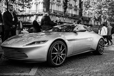 The Aston Martin is one of the most elegant grand tourer supercars available. Available in a couple or convertible The Aston Martin has it all. Aston Martin Sports Car, Aston Martin Lagonda, Sexy Cars, Hot Cars, Courses, Car Pictures, Cars And Motorcycles, Luxury Cars, Black White