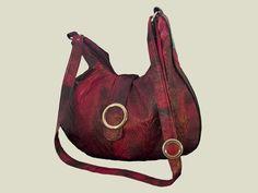 Tas gemaakt van een leather-look stof.