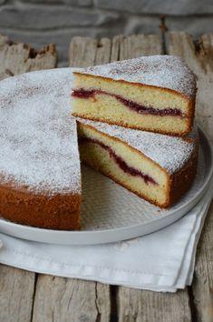 Cake Light, Torta Angel, Nutella, Single Layer Cakes, Sweet Cooking, Plum Cake, Homemade Cake Recipes, Breakfast Cake, Mini Foods