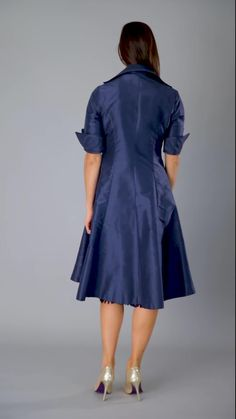 Living Silk - specializing in navy dresses and two piece outfits with sleeves for the modern and elegant mother of the bride and mother of the groom at a beach, boho, garden, country, cocktail or formal wedding in Spring/ Summer or Fall/ Winter   Mother of the Groom Dresses #livingsilk #motherofthebridedresses #motherofthegroomdresses #celebrateinsilk #puresilk #navydresses Occasion Wear, Smart Occasion, Special Occasion, Summer Coats, Silk Coat, Curvy Fashion, Fall Fashion, Style Fashion, Bride Groom Dress