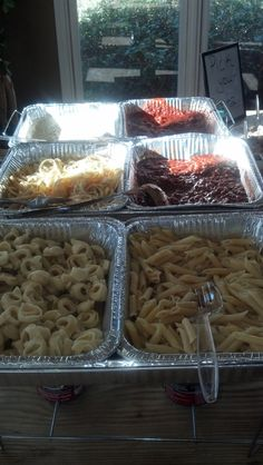 Pasta Bar. Manicotti, lasagna, alfredo sauce with grilled chicken strips, spaghetti sauce & meatballs. Served with choice of bow tie noodles, rigatoni or thin spaghetti noodles. Salad bar & breadsticks.