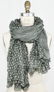 I don't get why I like this scarf but I do.  Must be the color.