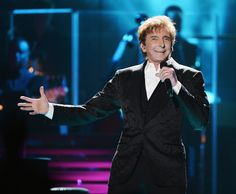 Barry Manilow Photos: Barry Manilow Performs in Concert in Brooklyn, New York
