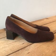 UK SIZE 45 WOMENS HOBBS BROWN SUEDE COURT SHOE SQUARE HEEL  SQUARE TOE CLASSIC