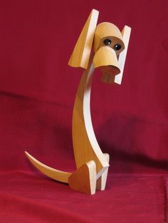 Купить или заказать собачки декоративные в интернет-магазине на Ярмарке Мастеров. Маленькие декоративные собачки изготовлены из бука. Голова и уши у собачек поворачиваются. Все собачки на бордовом фоне есть в наличии. Есть возможность сделать собачку из других пород дерева (сосна, берёза, тополь, ясень, дуб) и любых размеров. Пе…