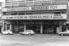 Cine Comodoro Cinerama na avenida São João.