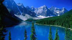 Moraine Lake, surrounded by the Rocky Mountains in the Banff National Park