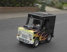 Bijou runabout, the world's smallest road-legal car Crazy Cars, Weird Cars, Interesting Photos, Cool Photos, Diesel, World's Smallest, Push Bikes, Matchbox Cars, Need For Speed